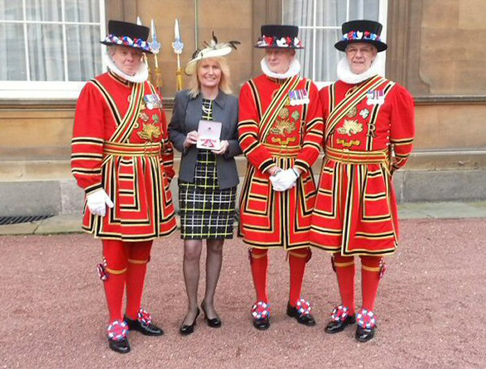 Trina with the Beefeaters (Yeomen Warders)